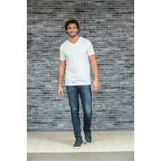 T-shirt V-hals langere lengte body fit